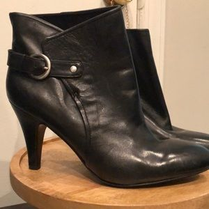 Nine West Black leather ankle boots size 9.5